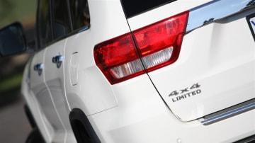 2011_jeep_grand_cherokee_diesel_review_03