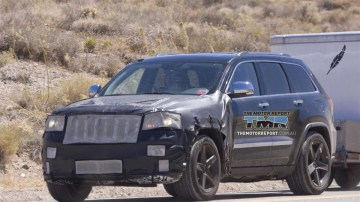 2011 Jeep Grand Cherokee SRT8 Spied Testing