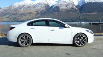 2015_holden_insignia_vxr_review_02a