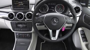 Mercedes-Benz B180.