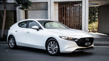 2019 Mazda 3 G20 Pure hatch review