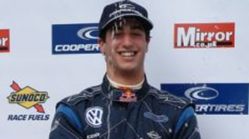 F1 Hopeful Daniel Ricciardo Storms F3 Opening Round