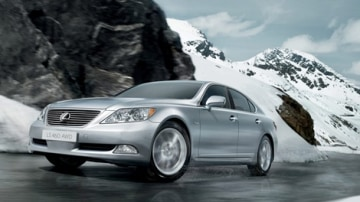 AWD Lexus LS460 to Premiere at Moscow Motor Show