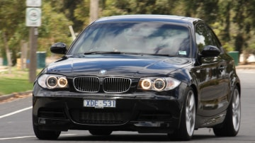 2010_bmw_135i_road_test_review_02