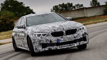 2017 BMW M5 preview.