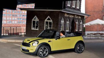 2009-mini-cabrio-002.jpg