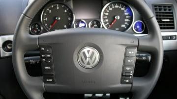 car-steering-wheel-2_920x800.jpg