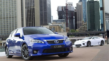 2010_lexus_ct200h_australian_international_motor_show_02