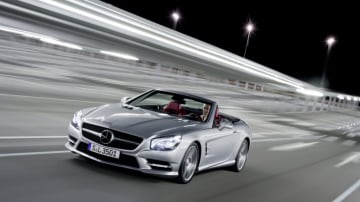 Mercedes-Benz has introduced a new entry-level SL400 roadster