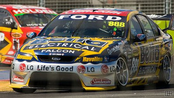 Ford reviews involvement in V8 Supercars