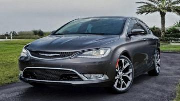 Chrysler 200C.