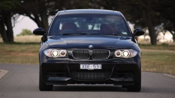 2010_bmw_135i_road_test_review_13