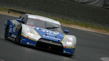 Nissan GT-R Dominates Opening Round Of 2009 SuperGT Series In Japan