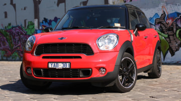 2011_mini_cooper_s_countryman_all4_roadtest_review_16