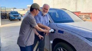 China's Tesla rival takes on Australian summer