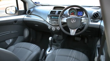 2013_holden_barina_spark_cd_automatic_hatch_review_06
