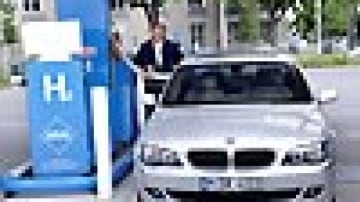 BMW pours cold water on Hydrogen cars