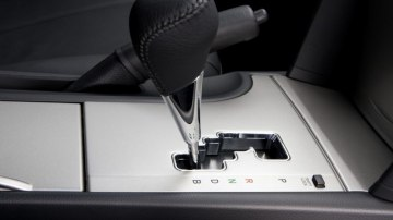 2011_toyota_hybrid-camry_production_06.jpg
