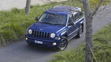 2010_jeep_patriot_first-drive-review_02.jpg