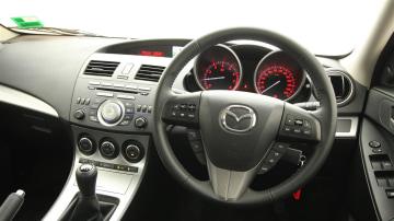 2011_mazda3_sp25_sedan_review_18