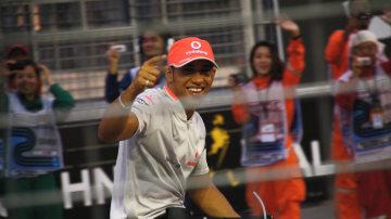 F1: Burnout Car For Sale As Hamilton Puts Aus Behind Him, Title Not Over For Vettel