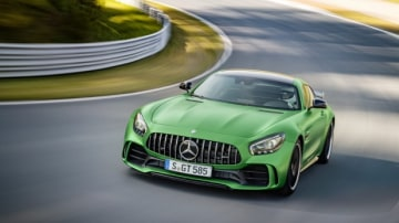 AMG GT R; 2016; Rennstrecke;  Exterrieur: AMG Green Hell magno; neuer AMG Panamericana Grill; Kraftstoffverbrauch kombiniert:  11,4 l/100 km, CO2-Emissionen kombiniert: 259 g/km AMG GT R; 2016; race track Exterior: AMG Green Hell magno, new AMG Panamerica