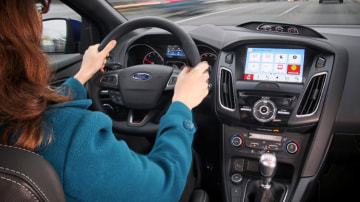 Ford SYNC Adds Apple CarPlay Android Auto And New Apps For CES - Video