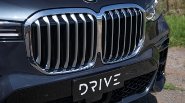 Drive Car of the Year Best Upper Large Luxury SUV 2021 BMW X7 grille
