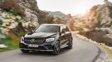 2017 Mercedes-AMG GLC43 Super-SUV Breaks Cover