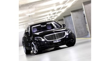 Luxury and performance: Mercedes-Benz S500.
