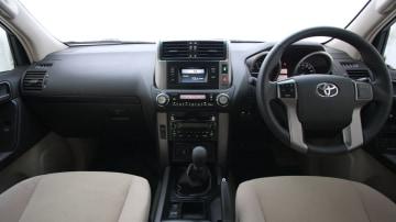 2010_toyota_prado_gxl_roadtest_review_interior_001