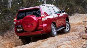 Toyota's clever Kinetic Dynamic  Suspension System has the flexibility required for off-road articulation.