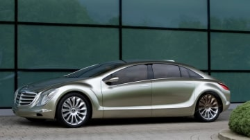 2007_mercedes-benz_f700-research-car_concept_01.jpg