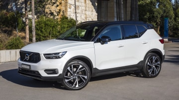 Volvo locks in three-cylinder XC40