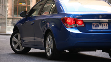 2009_holden-cruze_cdx_and-cruze-cd-diesel_road-test-review_021.jpg