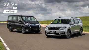Drive Car of the Year 2021 Best People Mover finalists group photo