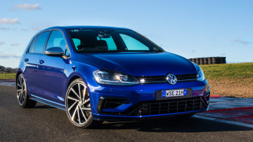 2017 Volkswagen Golf R new car review