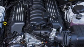 Chrysler 300 SRT Core.