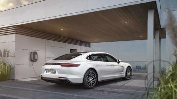 2018 Porsche Panamera 4 E-Hybrid review