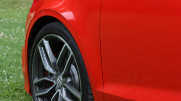 2015_audi_s3_cabriolet_01_review_15