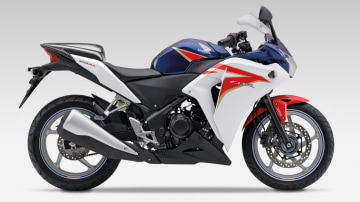 2011 Honda CBR250R Touching Down In March