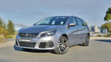 2018 Peugeot 308 Touring Allure new car review