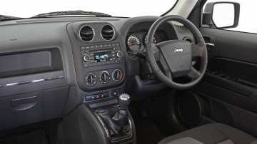 2010_jeep_patriot_first-drive-review_10.jpg