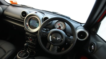 2011_mini_cooper_s_countryman_all4_roadtest_review_49