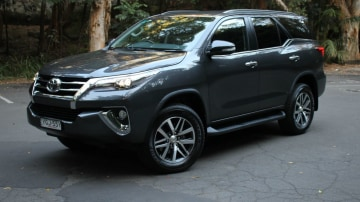 2017 Toyota Fortuner Crusade Automatic REVIEW - True Family Car, True Off-Roader
