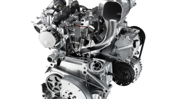 fiat_900cc_two_cylinder_twin_air_engines_08