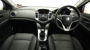 2009_holden-cruze_cdx_and-cruze-cd-diesel_road-test-review_075.jpg
