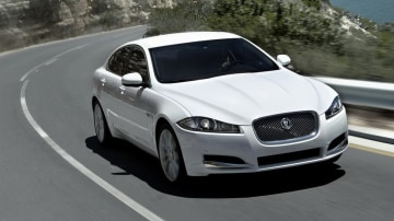 Jaguar Land Rover To Open New Engine Plant In UK