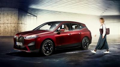 BMW announces hands-free smartphone key for iX electric SUV