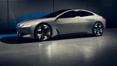 BMW Reveals Future i5 At Frankfurt Motor Show